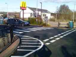 mcdonalds bearsden glasgow give-way junction